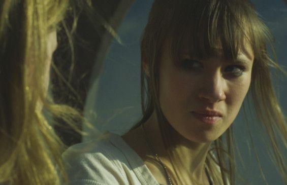 Marisa (Alina Levshin) ist Mitglied einer Neonazi-Clique