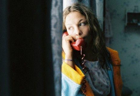 Valerie Koch belästigt als Anruferin ihre Mitmenschen