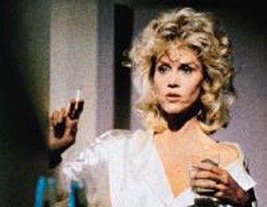 Welches Fläschchen führe ich mir jetzt zu Gemüte? Jane Fonda als Alkoholikerin