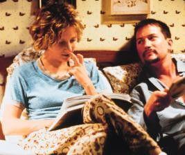 """""""Lesen wir jetzt, oder was...?"""" - Anne Heche, Todd  Field"""