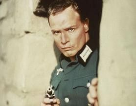 Bin ich ein Nazi oder nur Handlanger? Marlon Brando als Deutscher