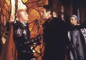 Wir werden der Kaiserin helfen!Jeremy Irons (M.)  mit Bruce Payne