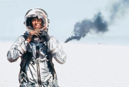 Ja, ich bin der optimale Astronaut! Sam Shepard hat die Bruchlandung überlebt