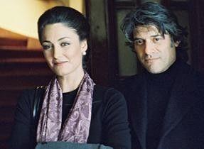 Glückliches  Wiedersehen: Saime (Basak Köklükaya) und Fanis (Georges Corraface)
