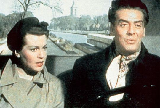 Cachenez (Victor Mature) gefällt die Verbindungsagentin zum britischen Geheimdienst Carla van Oven (Lana Turner)