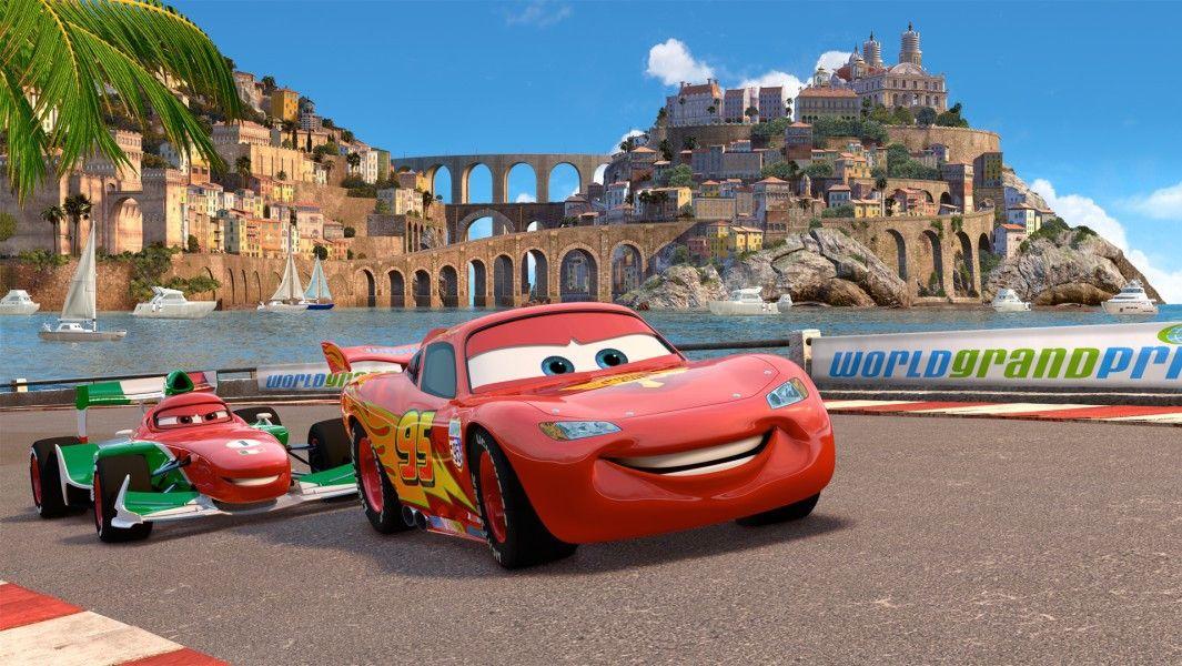 Auf zum nächsten Sieg: Lightning McQueen auf der Rennstrecke