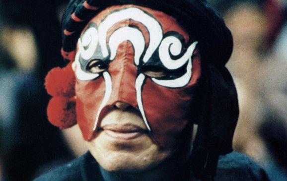 """Chu Yuk spielt den """"König der Masken"""""""