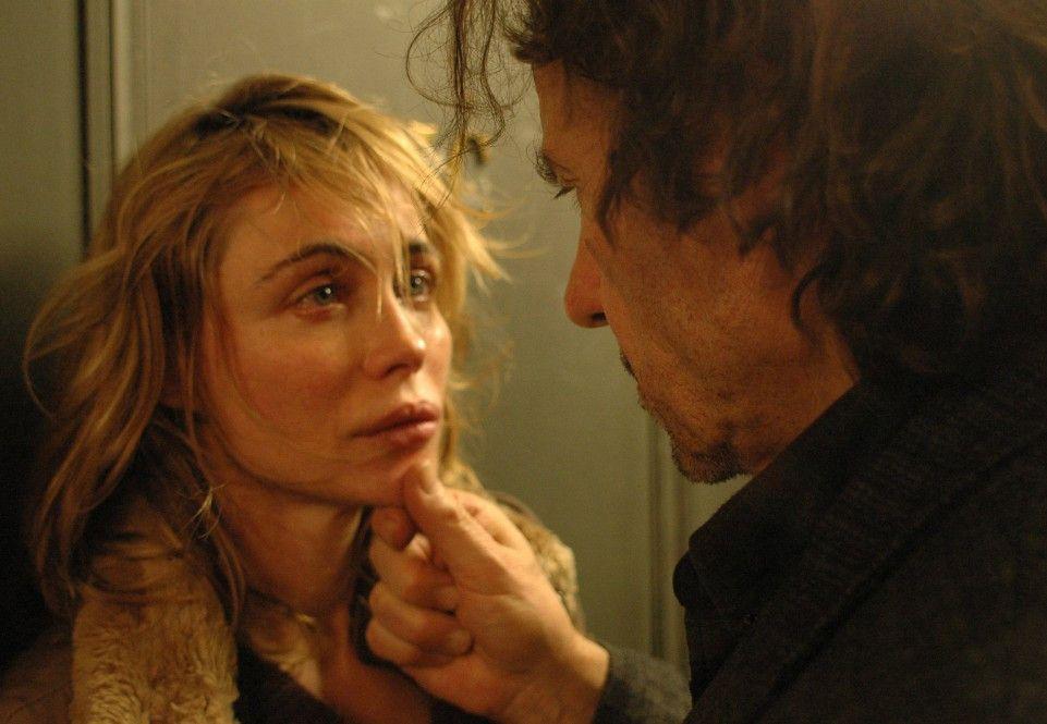 Taxifahrer Roger (Harvey Keitel) verliebt sich in die geheimnisvolle Alice (Emmanuelle Beart)