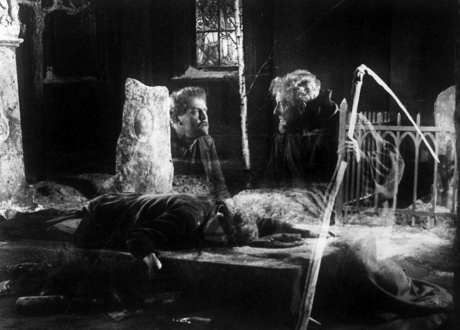 Der Fuhrmann des Todes (Tore Svennberg, r.) sucht seinen Nachfolger (Victor Sjöström)