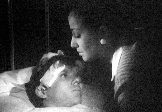 Alles wird gut, mein Junge! Signora Rossi (Marisa Merlini) mit ihrem Sohn Nando (Georges Poujouly)