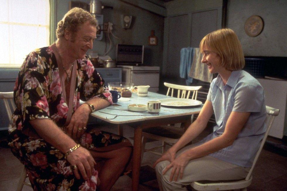 Talentsucher (Michael Caine) erkennt in Laura (Jane Horrocks) eine außergewöhnlich talentierte Sängerin