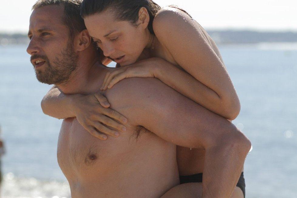 Helfen sich: Matthias Schoenaerts und Marion Cotillard
