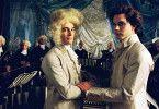 "Da Ponte (Lorenzo Balducci, r.) inspiriert Mozart (Lino Guanciale) zu seiner Oper ""Don Giovanni"""