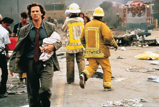 Nur raus aus dem Chaos! Jeff Bridges will ein Baby  in Sicherheit bringen
