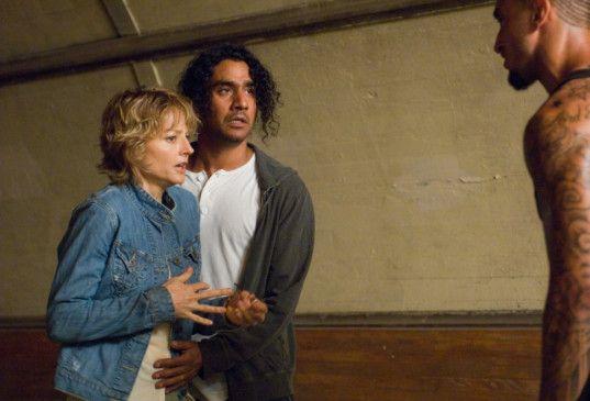 In höchster Gefahr: Jodie Foster und Naveen Andrews