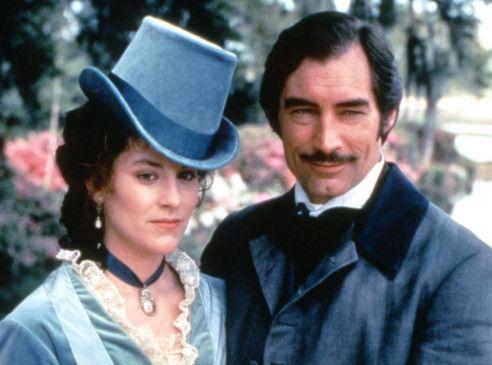 Bevor es mit Scarlett zum Happy End kommt: Rhett (Timothy Dalton) mit Anne Hampton (Annabeth Gish)