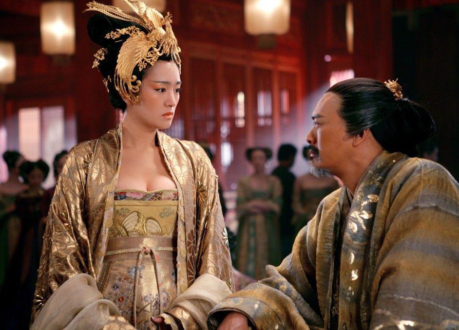 Verfeindetes Königspaar: Gong Li und Chow Yun-Fat