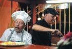 """Vater und Sohn Aguirre versuchen gemeinsam, das Restaurant """"Césars Grill"""" zu retten"""