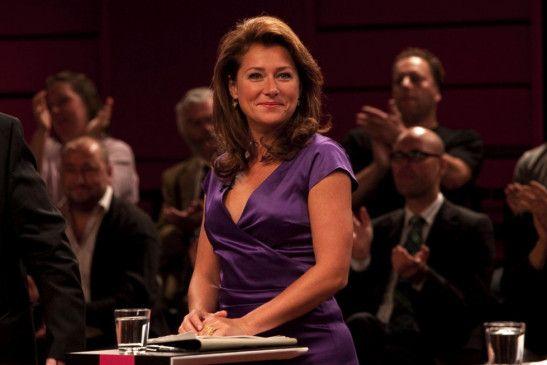 Birgitte (Sidse Babett Knudsen) ist für die TV-Abschlussdebatte bestens gerüstet