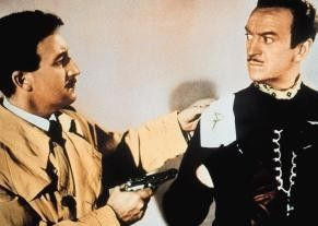 Sie sind das Phantom! Peter Sellers  (l.) will David Niven entlarven