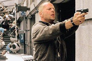 Stehenbleiben oder ich schieße! Bruce Willis in  Action