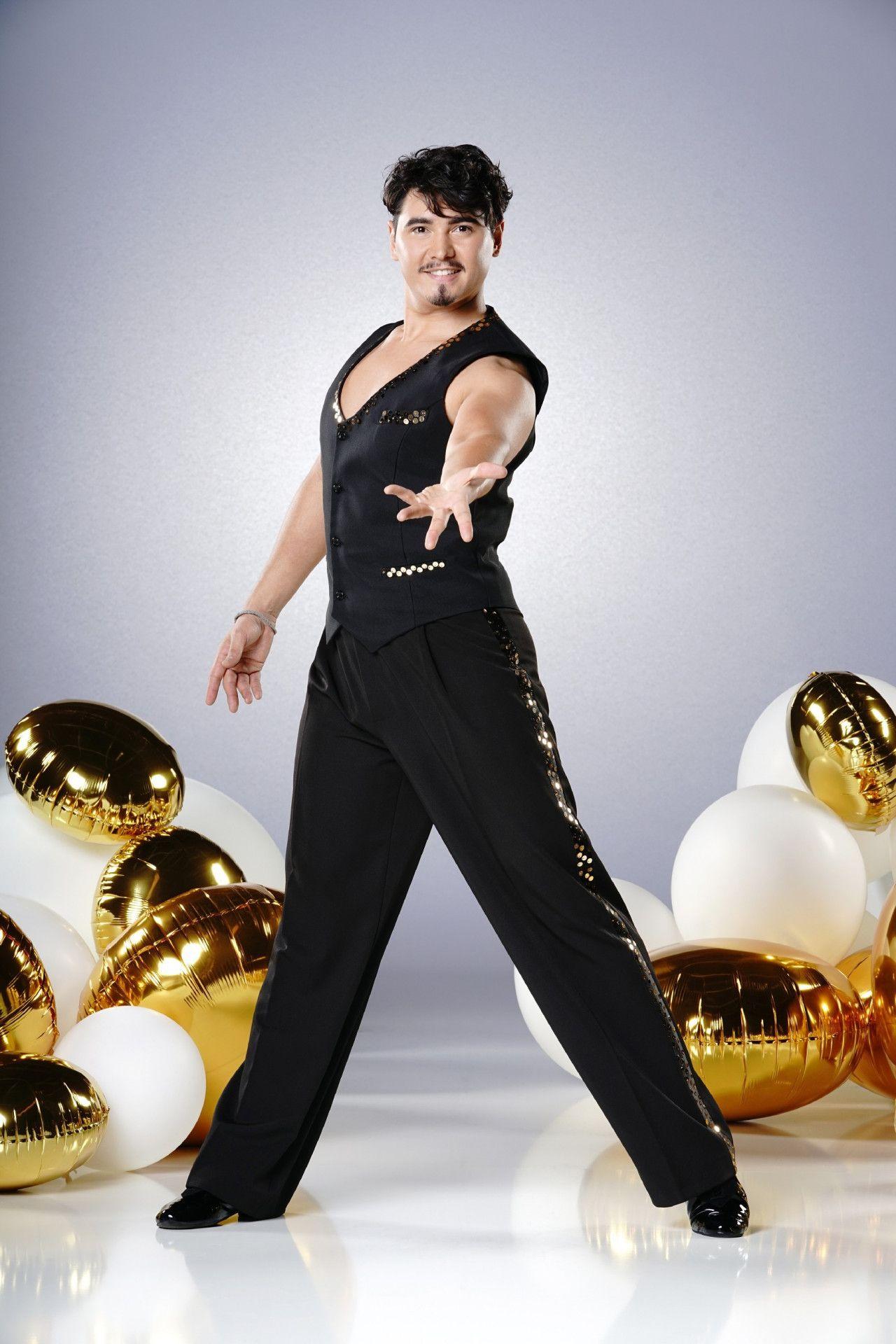 """Erich Klann kann mit einer Menge """"Let's Dance""""-Erfahrung aufwarten. 2011 gab er sein Debüt in der Show und durfte den Pokal schon zweimal mit nach Hause nehmen."""