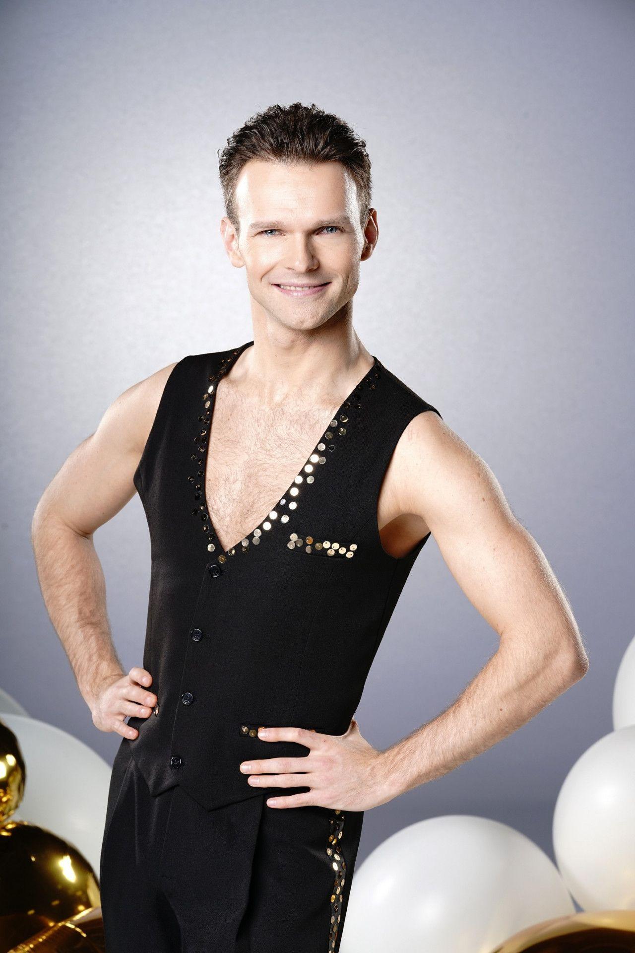 """Der Ukrainer Vadim Garbuzov ist nicht nur erfahrener """"Let's Dance""""-Profitänzer, sondern auch mehrfacher Welt- und Europameister im Showdance."""