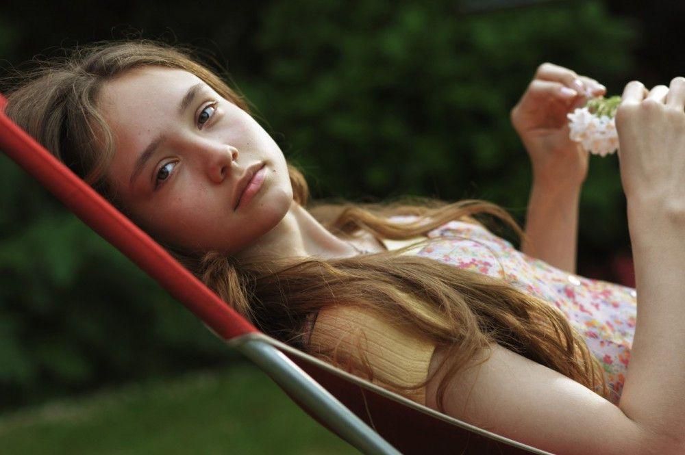 Sie war erst 13. Una (Ruby Stokes) glaubte an die Liebe zu einem viel älteren Mann.