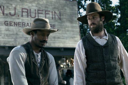 Nat Turner (l.) wird von Samuel Turner (Armie Hammer) unterdrückt.