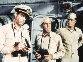 Auf meinem Schiff bestimme immer noch ich! Humphrey  Bogart (Mitte) als Kapitän Queeg