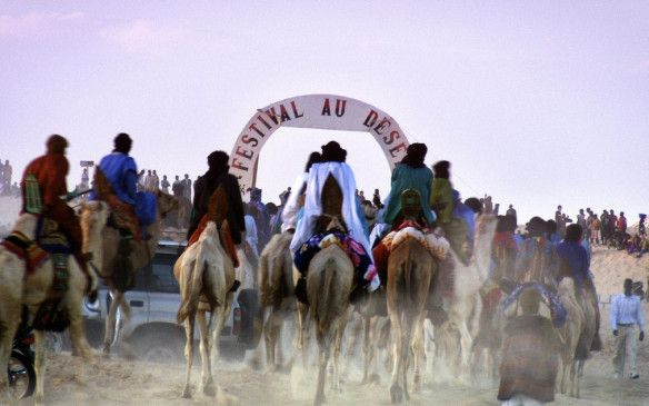 Die Nomaden treffen am Festivalgelände ein