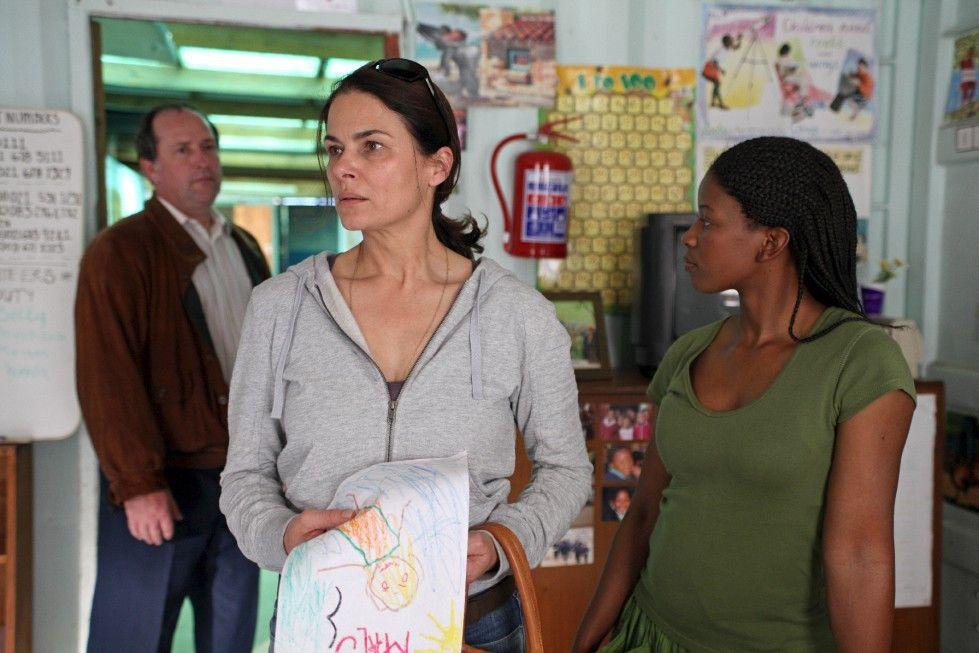 Judith (Barbara Auer) sorgt sich um ihre entführte Tochter
