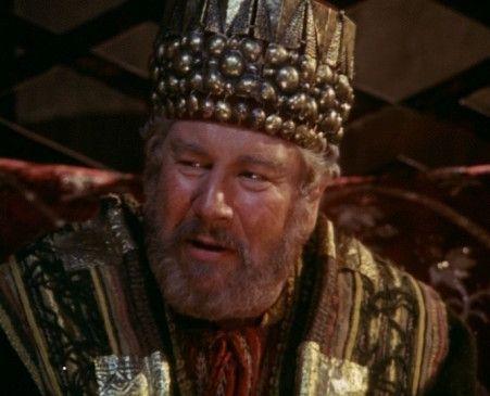 Herodes (Peter Ustinov) will Jesus von Nazareth töten lassen ...