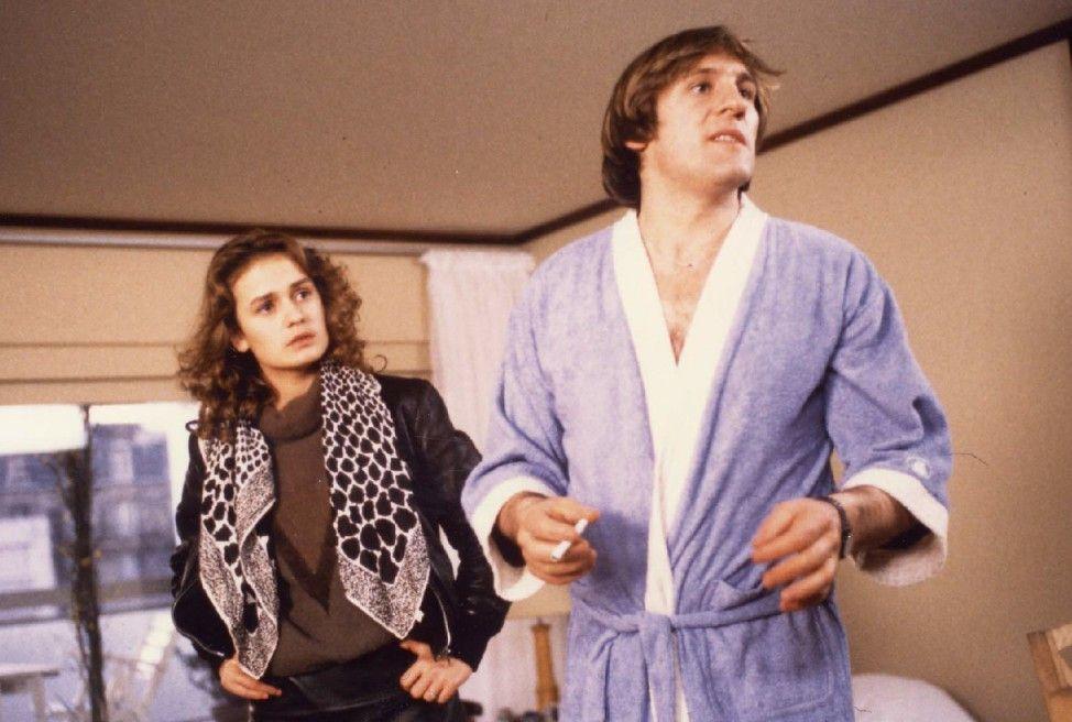 Mangin (Gérard Deparideu) kann den Reizen der schönen Lydie (Sandrine Bonnaire) nicht widerstehen