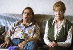Was macht ihn so krank? Harry G. (Josef Bierbichler) mit seiner Ehefrau (Christa Berndl)