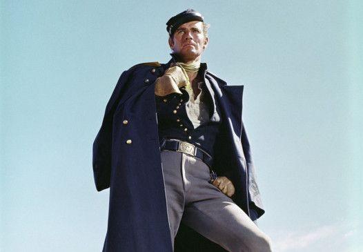 Charlton Heston geht als Major Dundee auf Indianerjagd