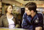 Du musst mir einfach helfen! Die verzweifelte Mutter (Corinna Harfouch) und der Ex-Lover (Nico Rogner) ihres Sohnes