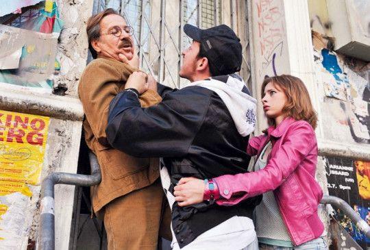 Auf Zivilcourage folgt Ärger und Bedrohung: Götz George (l.) in Not