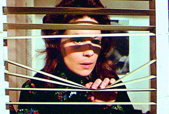 Grace (Jennifer Salt) wird Zeugin des Mordes