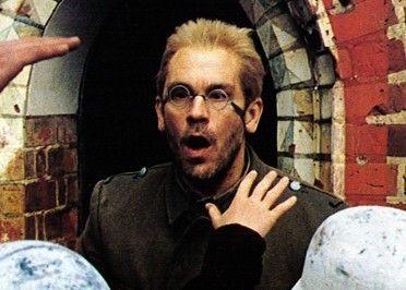 Ich bringe euch neue Kinder! John Malkovich als Abel Tiffauge