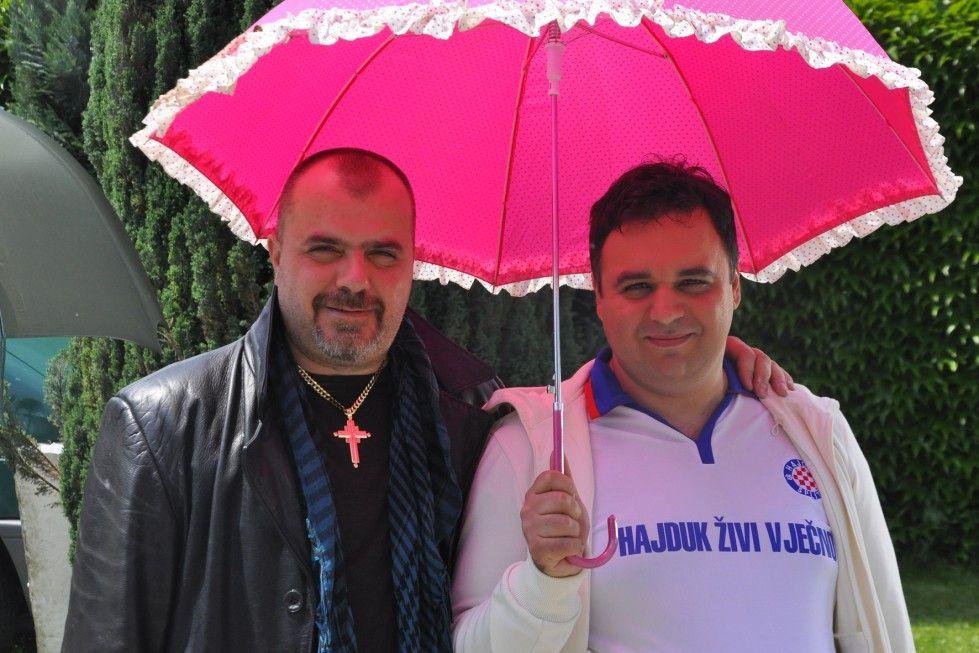 Gegensätze ziehen sich an: Lemon (Nikola Kojo) und Radmilo (Milos Samolov)