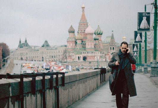 Paul Jensen (Moritz Bleibtreu) unterwegs in den Straßen Moskaus