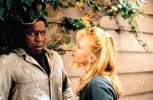 Ich werde dir beweisen, dass der Mörder nicht immer  der Gärtner ist! Rebecca De Mornay und Ernie Hudson