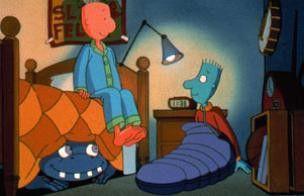 Doug (l.) und sein Kumpel Skeeter haben ein  Kuscheltier unter dem Bett versteckt