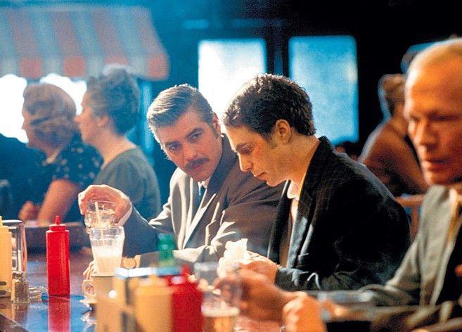 Soll ich etwa ein Geständnis machen? George Clooney (l.) mit Sam Rockwell