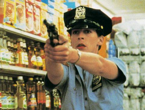 Stehen bleiben, oder ich schieße! Jamie Lee Curtis  als Polizistin