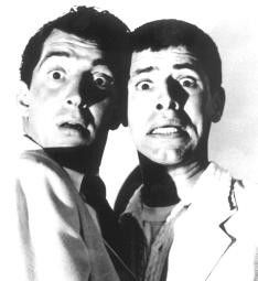 Was für ein Monster schaut uns denn da an? Dean  Martin (l.) und Jerry Lewis