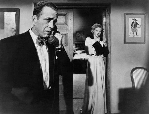 Laurel (Gloria Grahame) beginnt an Steeles (Humphrey Bogart) Unschuld zu zweifeln