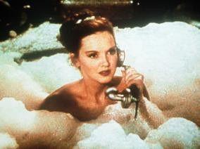 Ich dachte, ich würde durchs Baden schön? - Lucille Bremer als naive Yolanda