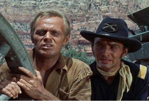 Wir müssen hier weg! Richard Widmark (l.) als Comanche Todd
